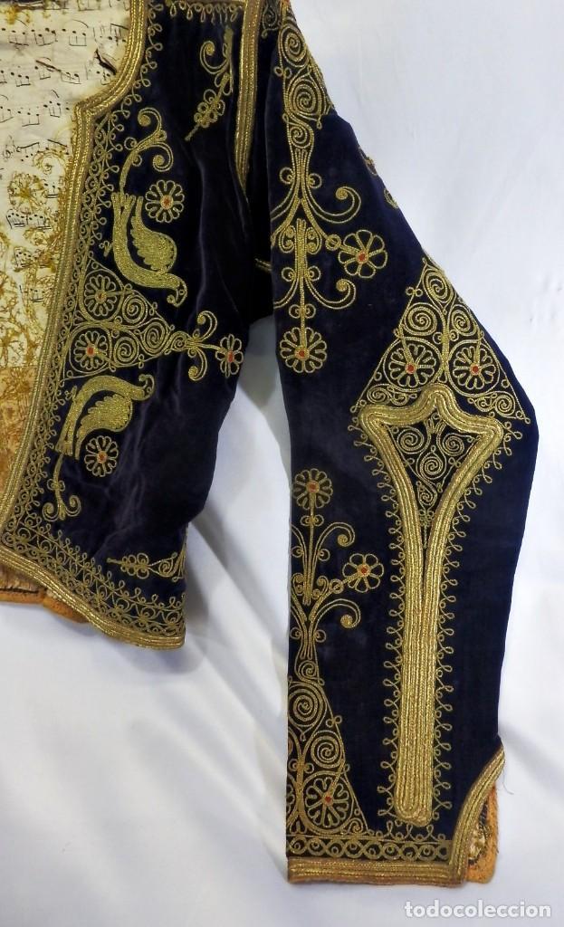 Antigüedades: t1 Maravillosa chaqueta corta, torera goyesca hilos de oro en vistas y terciopelo. fines XVIII - Foto 3 - 106176259