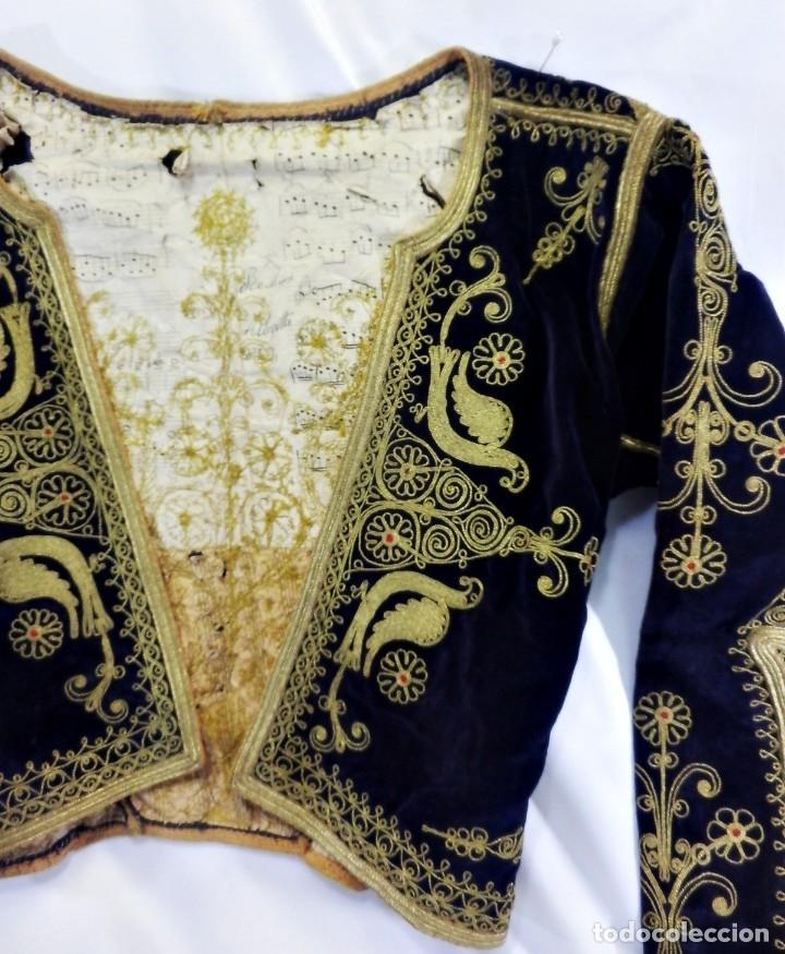 Antigüedades: t1 Maravillosa chaqueta corta, torera goyesca hilos de oro en vistas y terciopelo. fines XVIII - Foto 4 - 106176259