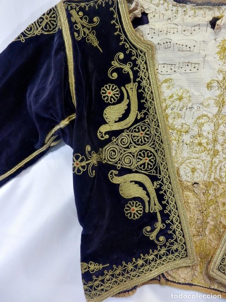 Antigüedades: t1 Maravillosa chaqueta corta, torera goyesca hilos de oro en vistas y terciopelo. fines XVIII - Foto 5 - 106176259