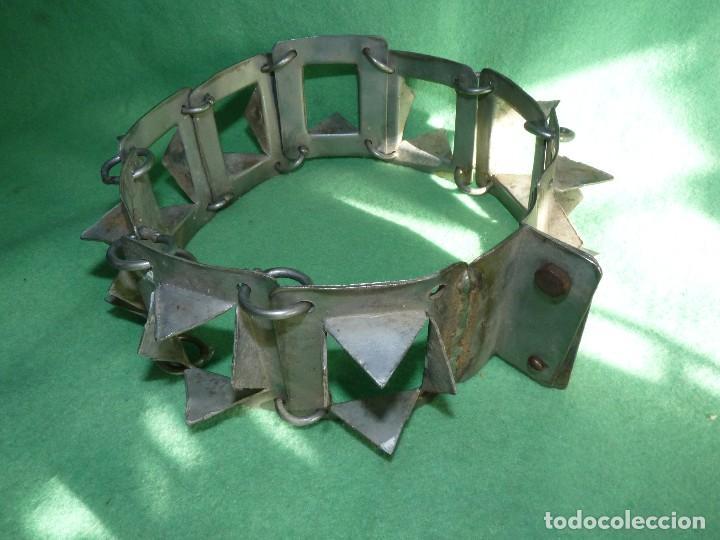 Antigüedades: IMPRESIONANTE CARLANCA TODO METAL COLLAR PERRO MASTIN PROTECCIÓN ATAQUES DEL LOBO CARRANCA AÑOS 40 - Foto 4 - 106191683