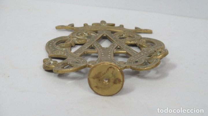 Antigüedades: BONITO REMATE DE VARAL PROCESIONAL MARIANO DE BRONCE. SIGLO XVIII-XIX - Foto 4 - 106440179
