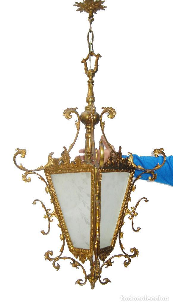 Antigüedades: GRAN LAMPARA ANTIGUA CIRCA 1920 FAROL ANTIGUO EN BRONCE DORADO Y CRISTAL TALLADO RESTAURADO - Foto 2 - 106585111