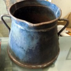 Antigüedades: HERRAO. TARRO DE ORDEÑO. CHAPA Y HIERRO. ALTURA 27 CM Y BOCA 25 CM. Lote 106708003