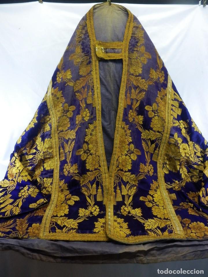 Antigüedades: t2 Espectacular capa pluvial s XVIII en seda, terciopelo e hilos de oro - Foto 2 - 106769527