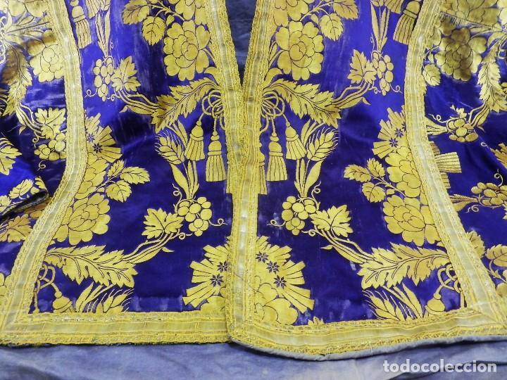 Antigüedades: t2 Espectacular capa pluvial s XVIII en seda, terciopelo e hilos de oro - Foto 4 - 106769527