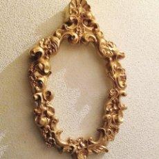 Antigüedades: ANTIGUO MARCO DORADO PARA ESPEJO. 48 X 29 CMTRS.. Lote 106804347