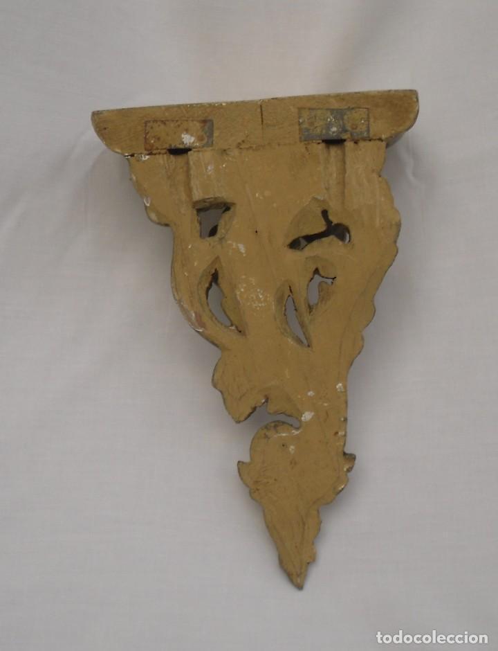 Antigüedades: pequeña ménsula de madera tallada y dorada - Foto 2 - 106944275