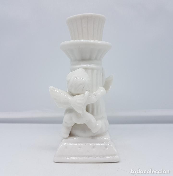 Antigüedades: Candelabro antiguo en porcelana alemana blanca con forma de columna y angelotes . - Foto 2 - 106953027