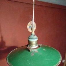 Antigüedades: LAMPARA ESMALTADA INDUSTRIAL. Lote 106971827