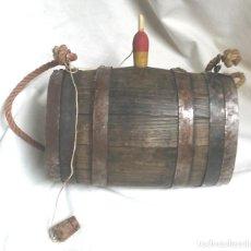 Antigüedades: TONEL BARRICA PASTOR AÑOS 40, COMPLETA TODO DE ORIGEN 2 LITROS, DOSIFICADOR Y TAPON. MED. 21 X 14 CM. Lote 106976619