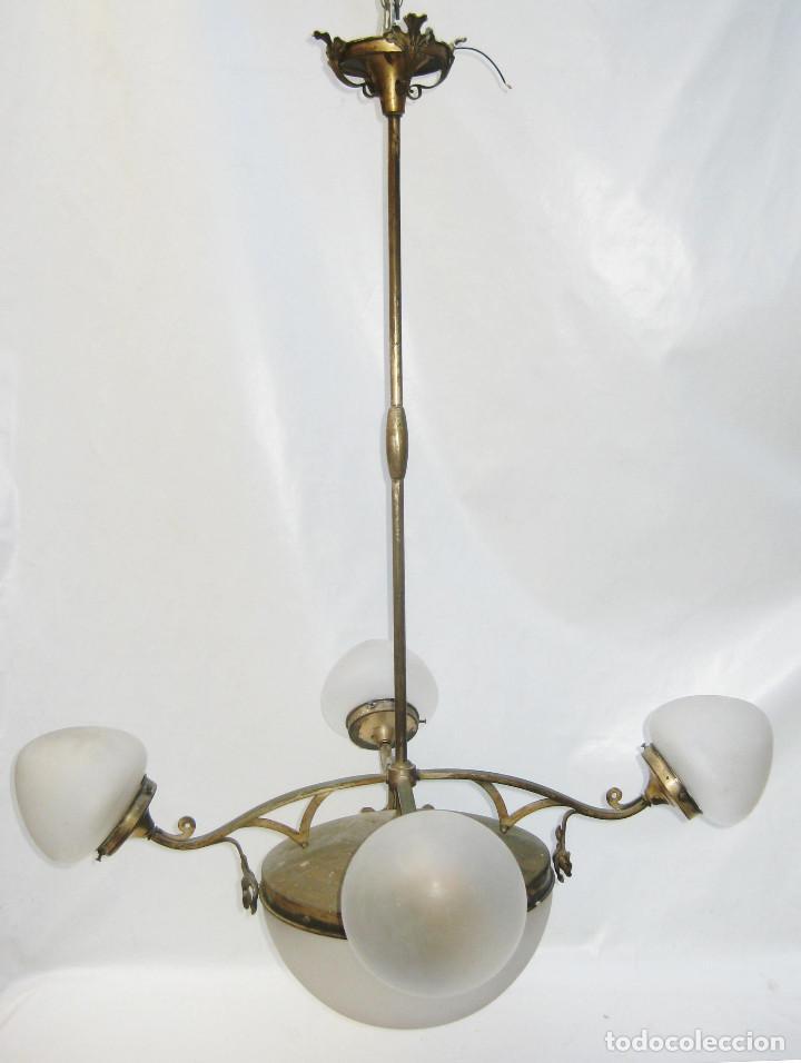Antigüedades: GRAN LAMPARA 100X80CM DECÓ ORIGINAL ART NOUVEAU FRANCIA CIRCA 1900 METAL Y TULIPAS CRISTAL - Foto 2 - 106978163