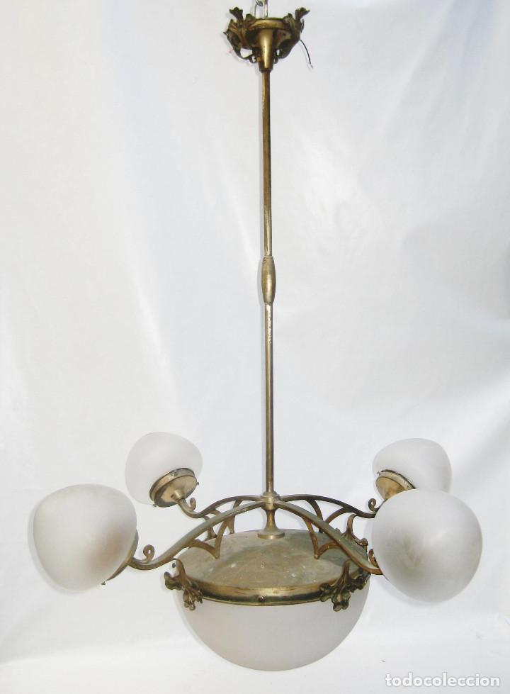 Antigüedades: GRAN LAMPARA 100X80CM DECÓ ORIGINAL ART NOUVEAU FRANCIA CIRCA 1900 METAL Y TULIPAS CRISTAL - Foto 3 - 106978163