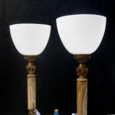 Antigüedades: ELEGANTISIMA PAREJA DE LAMPARAS ANTIGUAS EN BRONCE MARMOL Y OPALINA ART DECO . Lote 107040231
