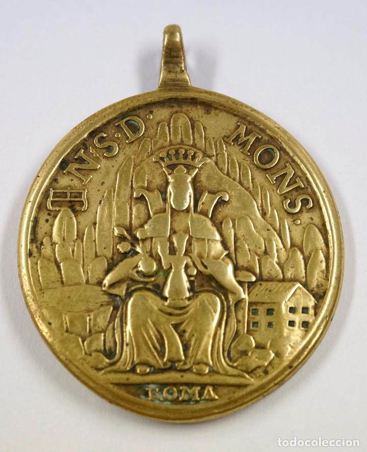 PINJANTE DEL SIGLO XVIII. VIRGEN DE MONTSERRAT / PAPA BENEDICTO 4,3X5,5 CM. (Antigüedades - Religiosas - Varios)