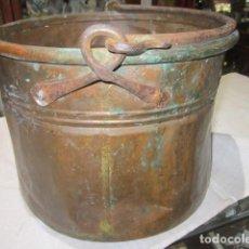 Antigüedades: ANTIGUO CALDERO DE COBRE, CON ASA. 30 CMS. DIÁMETRO X 22 CMS. ALTURA.. Lote 107070327