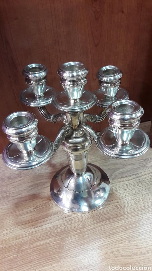 Antigüedades: Candelabro de 5 luces en metal plateado. - Foto 4 - 107118727