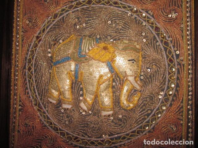 CUADRO TAPIZ DE LA INDIA ELEFANTE HECHO ARTESANALMENTE (Antigüedades - Hogar y Decoración - Tapices Antiguos)