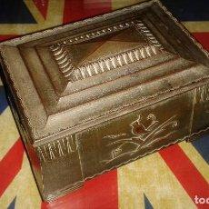 Antigüedades: CAJA METALICA ORIGINAL DE ÉPOCA ART DECÓ, METAL DORADO, CON PÁJAROS, AÑOS 20-30. Lote 107228167