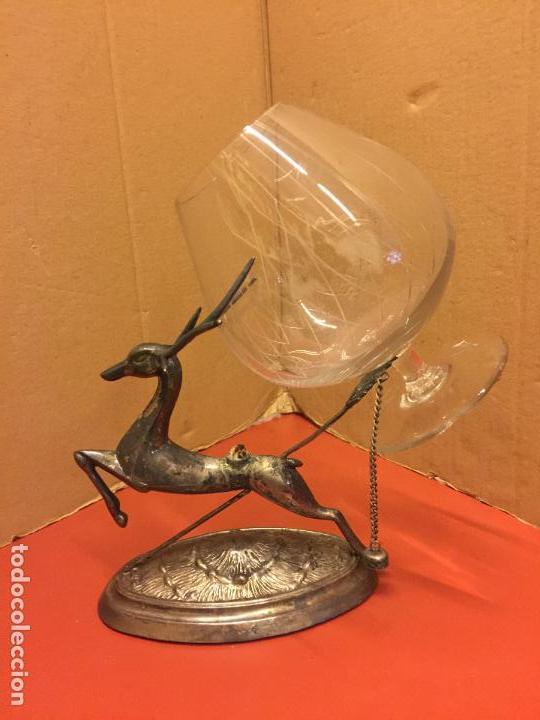 Antigüedades: Precioso ciervo calientacopas cognac Calentador de copas, antiguo en alpaca plateada, copa tallada - Foto 4 - 107251103