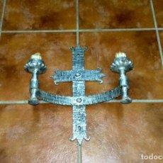 Antigüedades: APLIQUE DE PARED EN HIERRO FORJADO.. Lote 107294835