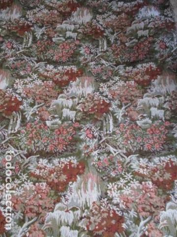 Antigüedades: Gran tapiz de 1,65 cm x 1,95 cm. - Foto 3 - 107296375