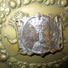 Antigüedades: RARA Y ANTIGUA MEDALLA MEDALLON CON RETRATOS ANTIGUOS PERSONAJES REYES ????. Lote 68705957