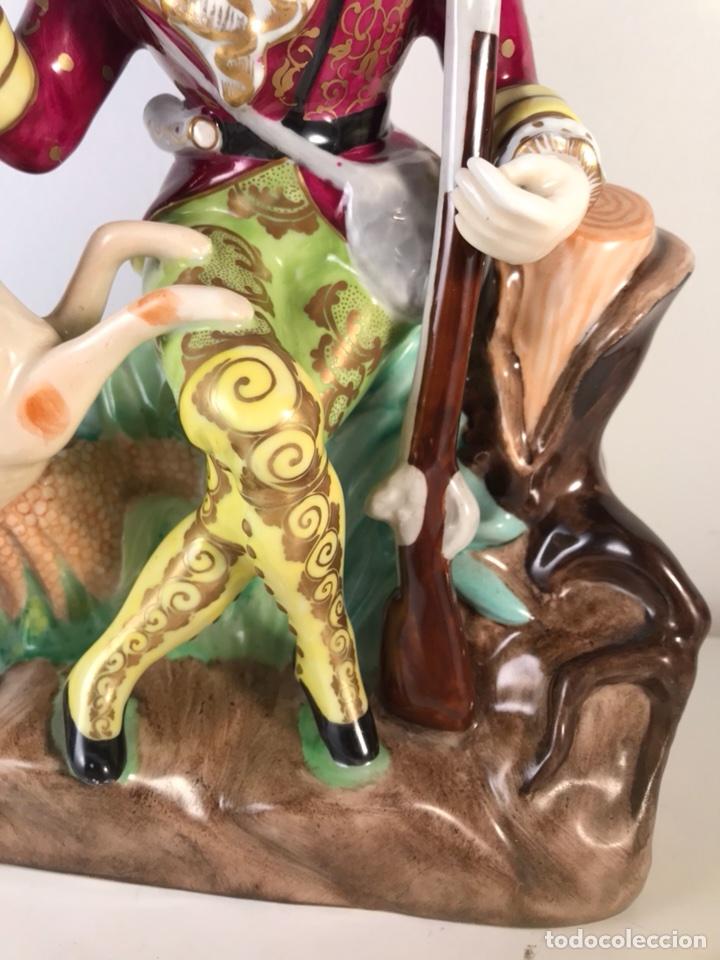 Antigüedades: Figura Porcelana- MAH Santa Clara Vigo- Cazadora- 22 cm - Foto 3 - 107359180