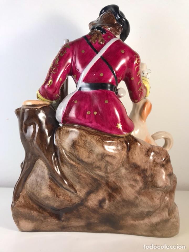 Antigüedades: Figura Porcelana- MAH Santa Clara Vigo- Cazadora- 22 cm - Foto 5 - 107359180