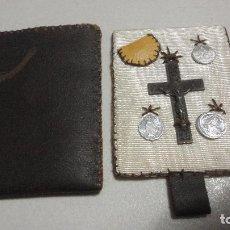 Antigüedades: ANTIGUO ESCAPULARIO.CORAZON DE JESUS.CRUCIFIJO.MEDALLAS.. Lote 107374119