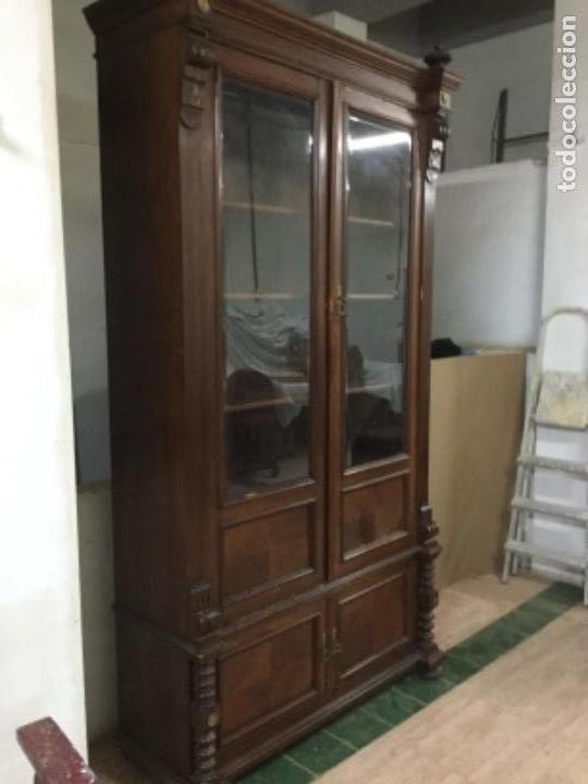ARMARIO NOGAL (Antigüedades - Muebles Antiguos - Armarios Antiguos)