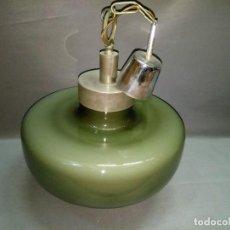 Antigüedades: 419- LAMPARA VINTAGE OPALINA VERDE AÑOS 60 ( LAMPARA DE TECHO). Lote 107413011