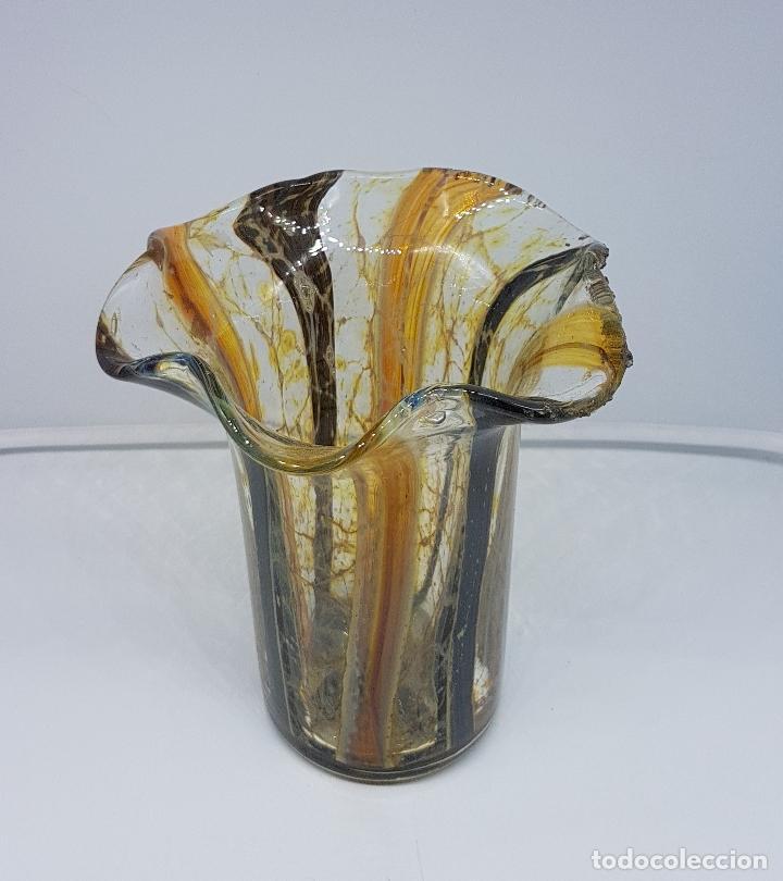 Antigüedades: Jarrón florero antiguo en cristal de murano hecho a mano de la isla de la Laguna véneta ( Italia ) . - Foto 3 - 107419431