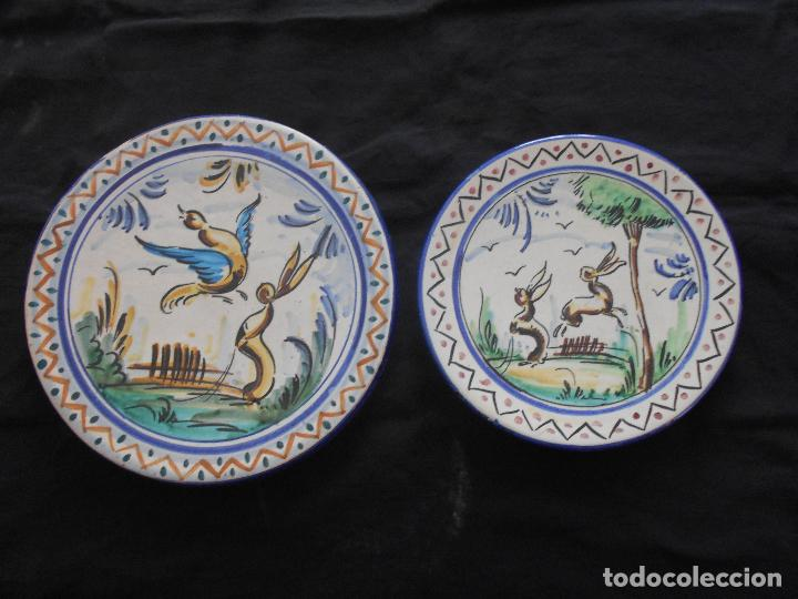 DOS PLATOS DE CERAMICA DE TRIANA, EL MAYOR MIDE 31 CMS. Y EL PEQUEÑO 26 CMS. (Antigüedades - Porcelanas y Cerámicas - Triana)