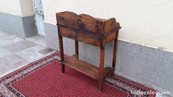 Antigüedades: Consola antigua estilo colonial. Mueble auxiliar secreter antiguo. Mesa auxiliar estilo rústico - Foto 13 - 107466515