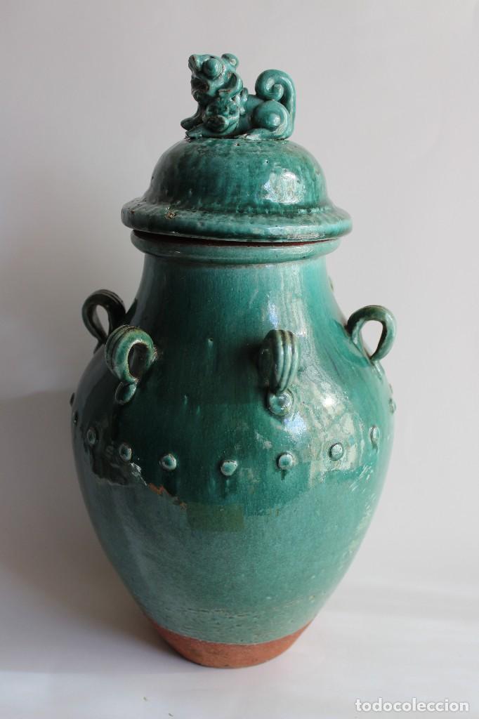 JARRON TINAJA EN CERAMICA CHINA CELADON CON TAPA PERRO FOO (Antigüedades - Porcelanas y Cerámicas - China)
