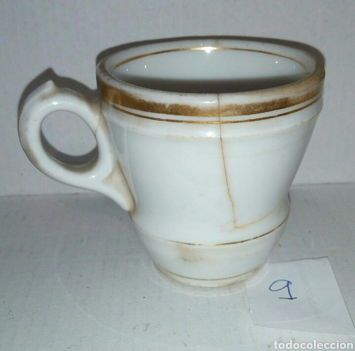 Antigüedades: Taza pocillo porcelana. Filo en oro - Foto 2 - 107536934