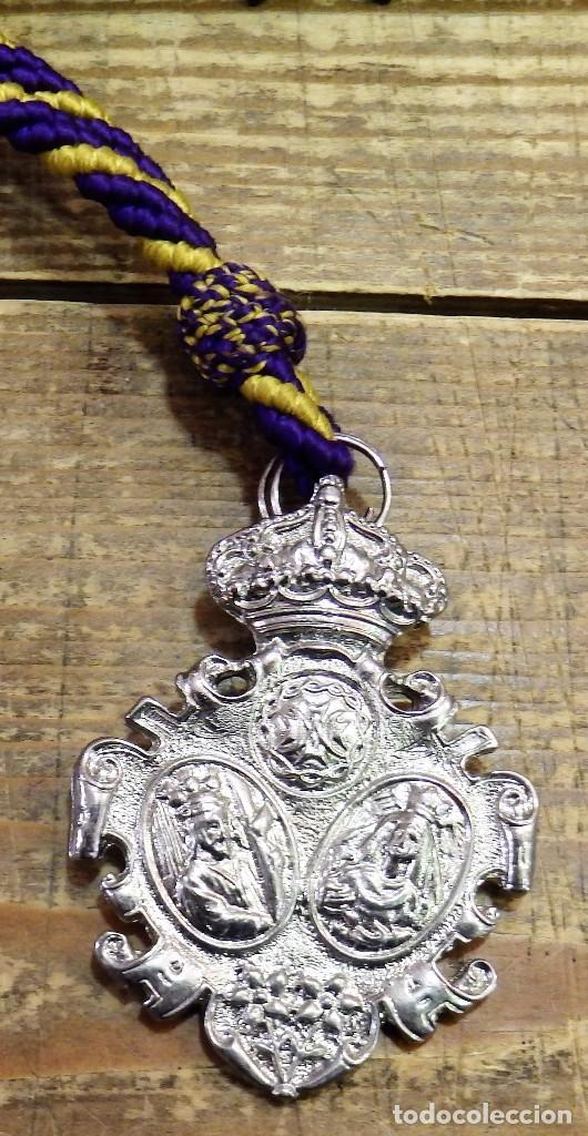 SEMANA SANTA DE BRENES, SEVILLA, MEDALLA CON CORDON HERMANDAD DEL GRAN PODER (Antigüedades - Religiosas - Medallas Antiguas)