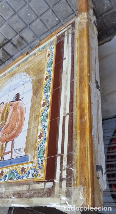 Antigüedades: ESCENA TABERNARIA. MURAL AZULEJOS. ESMALTADO A MANO. XAVIER NOGUÉS. ESPAÑA. MEDIADOS SIGLO XX. - Foto 12 - 100688247