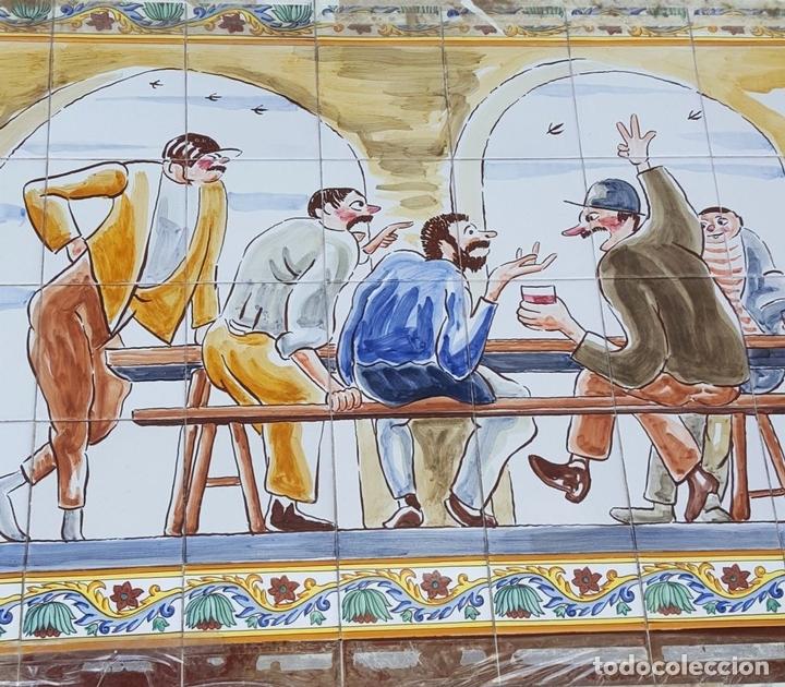 Antigüedades: ESCENA TABERNARIA. MURAL AZULEJOS. ESMALTADO A MANO. XAVIER NOGUÉS. ESPAÑA. MEDIADOS SIGLO XX. - Foto 13 - 100688247