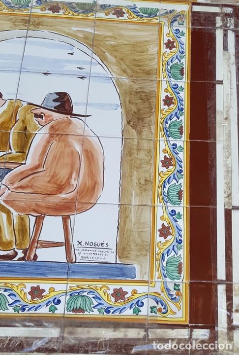 Antigüedades: ESCENA TABERNARIA. MURAL AZULEJOS. ESMALTADO A MANO. XAVIER NOGUÉS. ESPAÑA. MEDIADOS SIGLO XX. - Foto 16 - 100688247