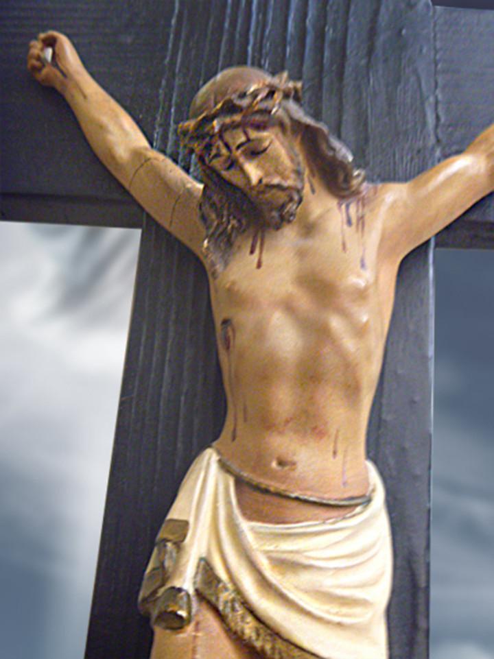 Antigüedades: Gran crucifijo con Cristo de yeso-escayola - Foto 3 - 103882547