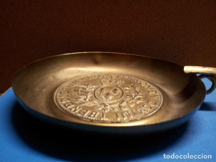Antigüedades: Enorme cenicero metálico. - Foto 3 - 107666647
