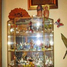 Antigüedades: VITRINA PARA MINIATURAS. Lote 107674479