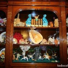 Antigüedades: MANADA TOROS PORCELANA DE ALGORA INCLUYENDO PICADOR Y CABESTRO. Lote 107684343