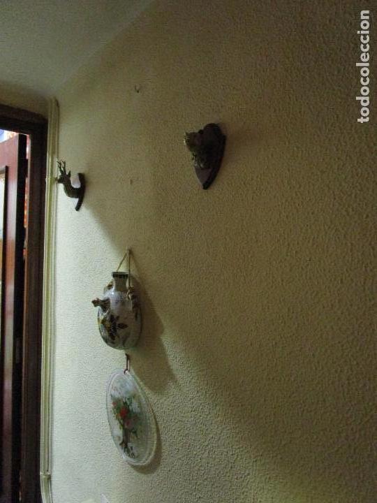 Antigüedades: DOS MINIATURAS DE TROFEOS EN BRONCE CORZO Y OSO - Foto 5 - 107686635