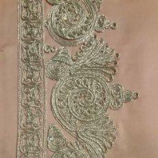 Antigüedades: CENEFA BORDADO INDUSTRIAL SOBRE RASO ROSA. Lote 107709595