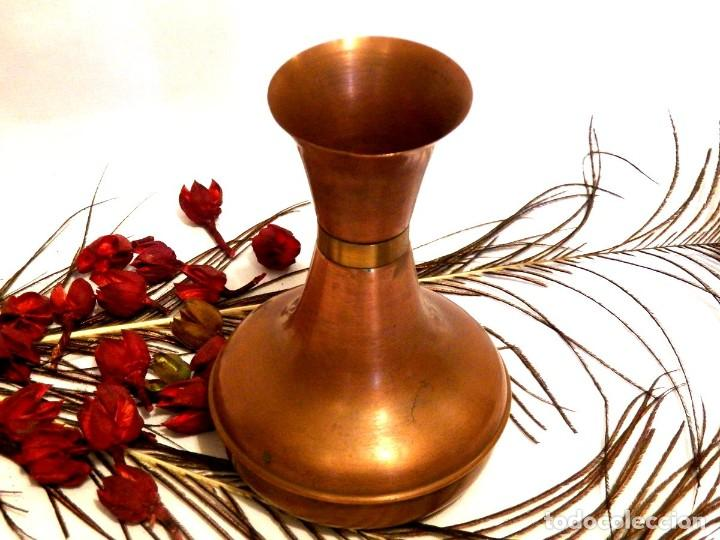 Antigüedades: Florero, decoración rústica, florero de cobre, jarrón cobre, Años 60 - Foto 3 - 107711179