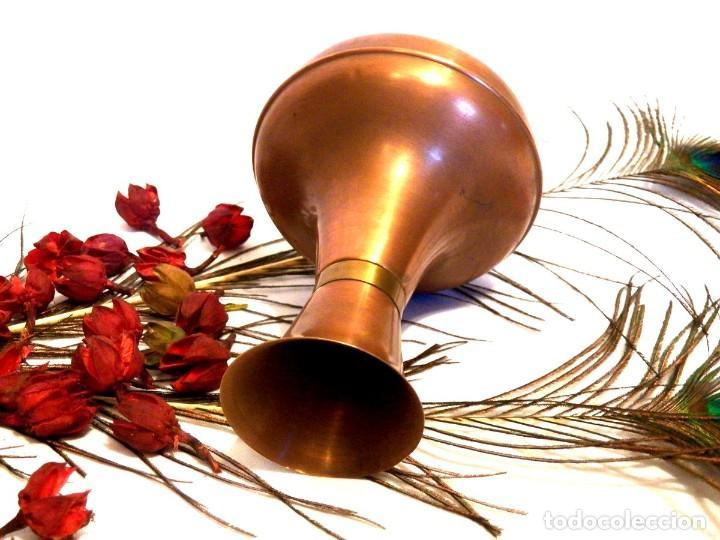 Antigüedades: Florero, decoración rústica, florero de cobre, jarrón cobre, Años 60 - Foto 4 - 107711179