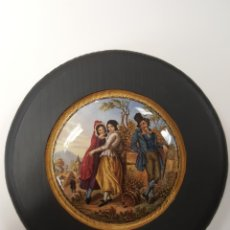 Antigüedades: ROMANTICA. ANTIGUA TAPA INGLESA DE PORCELANA ORIGINARIAMENTE PARA BOTES. ENMARCADA. Lote 107715615