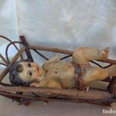 Antigüedades: ANTIGUO NIÑO JESÚS SELLO ESTAMPADO EL ARTE CRISTIANO DE OLOT PARA RESTAURAR EN CUNA. Lote 107746575